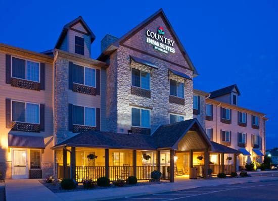 Country Inn & Suites By Carlson, Green Bay North: CountryInn&Suites Green Bay ExteriorNight