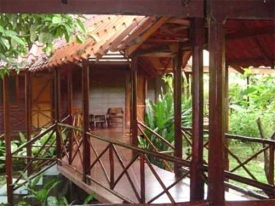 Pachira Lodge: Exterior
