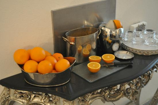 Antiq Palace Hotel & Spa: Squeeze your own juice ... the freshest
