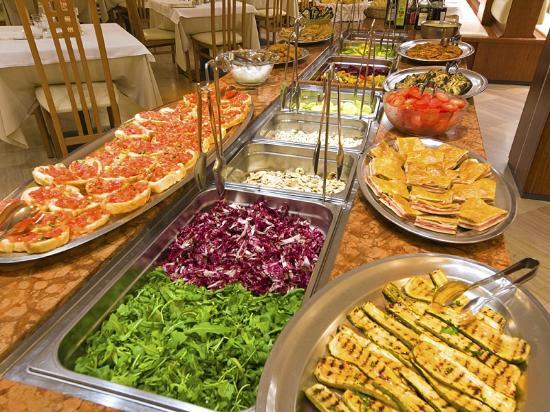 Hotel Excelsior: Anche a fine stagione un ricco buffet!