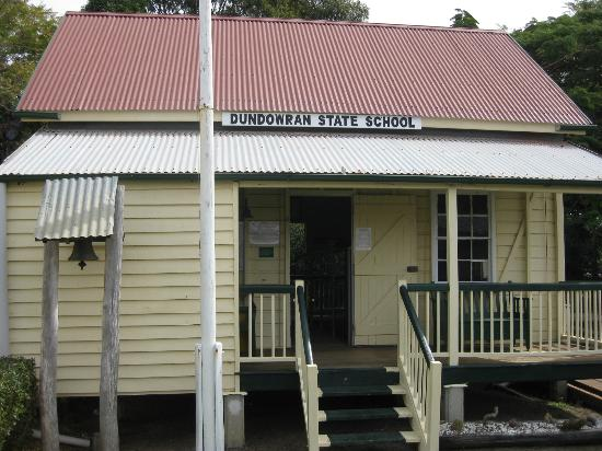 Hervey Bay Historical Village & Museum: The School House of yesteryear