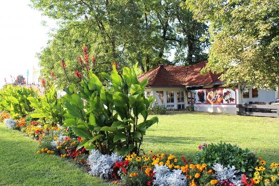 Hotel Schwanefeld: Blick über das Hotelgelände