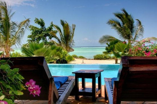 The Zanzibari: Relax by the pool and view the Indian Ocean
