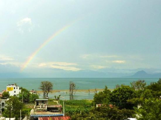 Mikaso Hotel Resto: Mikaso - apparently a pot of gold where the rainbow ends!