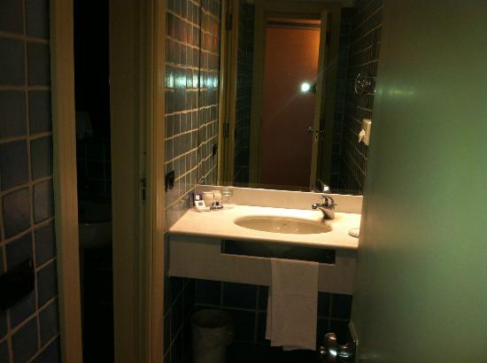 Atahotel Capotaormina: Bathroom 2