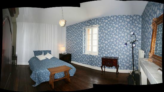 Chateau de Roqueperlic : Chambre Bleu