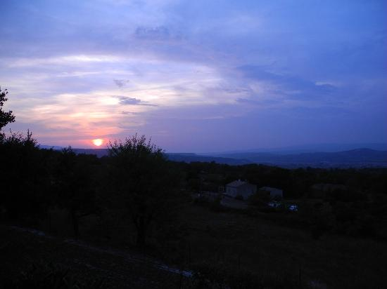 Les Terrasses du Luberon: Many a beautiful sunset