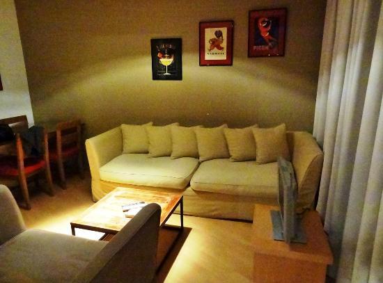 Aparthotel Brussels Midi: Room - living room