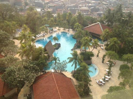 Grand Hyatt Jakarta: Pool area