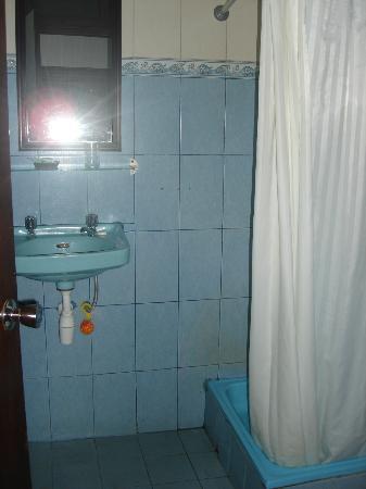 Hotel Sinar Bali: Bathroom in Rm 9