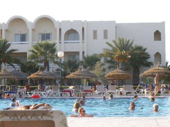 Iberostar Mehari Djerba: Hotel and by the pool