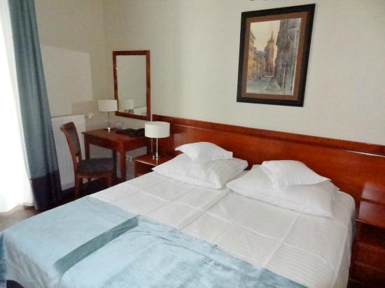Senacki Hotel: Bed