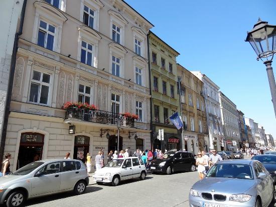 Senacki Hotel: Exterior