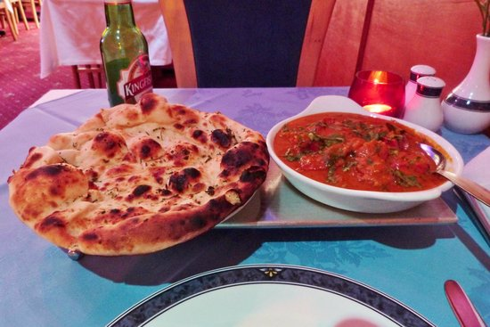 Maharani Restaurant: delicious chicken curry with naan
