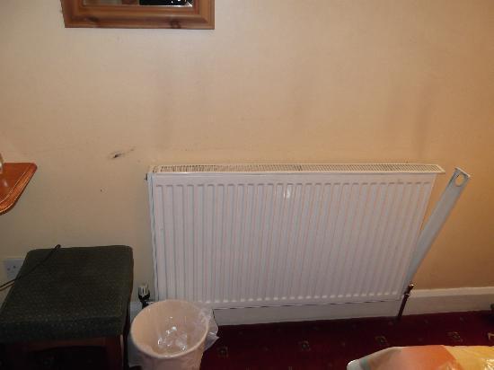 Jubilee Hotel: broken radiator