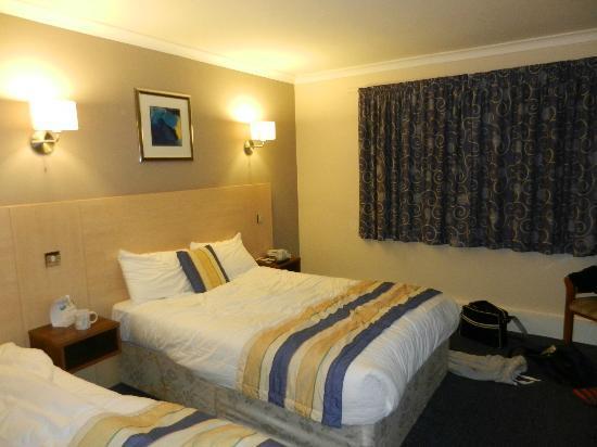 Best Western Gatwick Skylane Hotel: Room