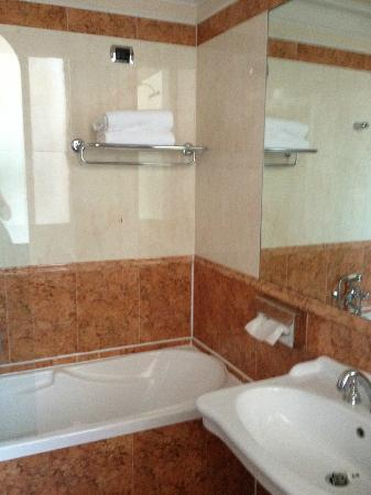Duodo Palace Hotel : Bathroom