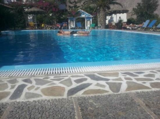 Holiday Beach Resort: Real great pool