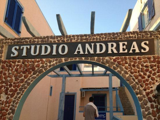 Andreas Studio Hotel: Entrance of Andreas