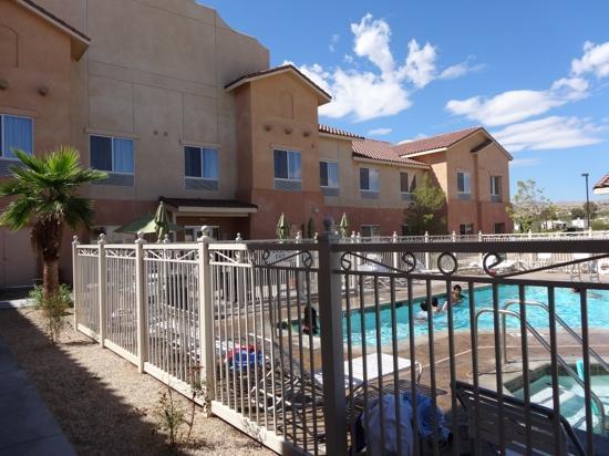 Fairfield Inn & Suites Twentynine Palms-Joshua Tree National Park: Pool