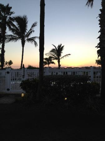 Tradewinds Beach Resort: Sunrise at Tradewinds