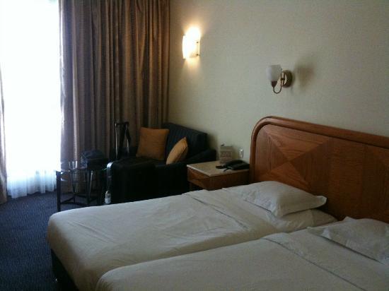 โรงแรมแกรนด์คอร์ท: stanza (2)