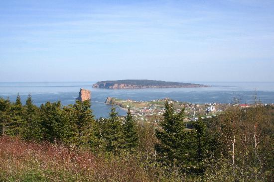Perce Au Pic de l'Aurore: Perce, Rocher perce and Bonaventure Island 