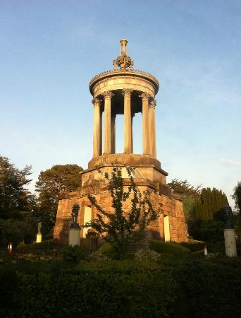 Brig O Doon Hotel: The Burns Monument