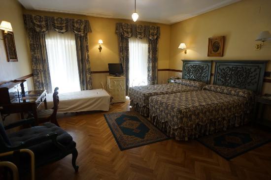 Hotel Dona Maria: Habitación Triple