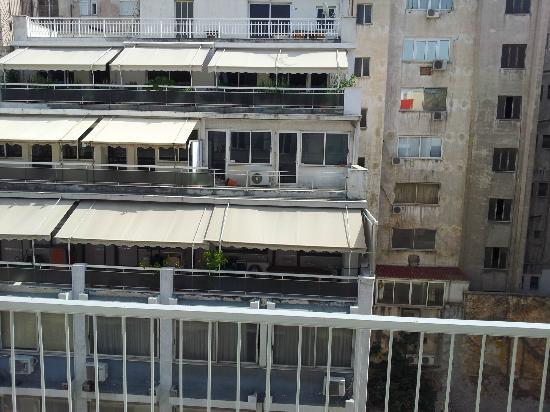 Piraeus Dream City Hotel: The view isnt that great but not their fault