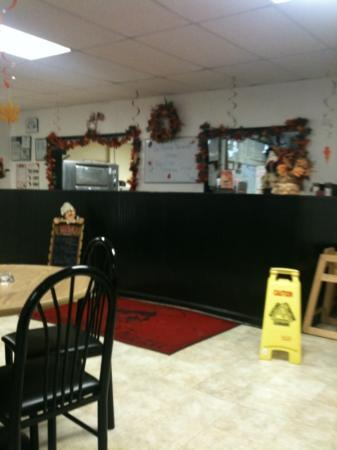 Brooksville, KY: front counter