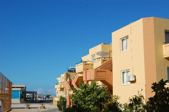 Enorme Eanthia Beach: The Appartments
