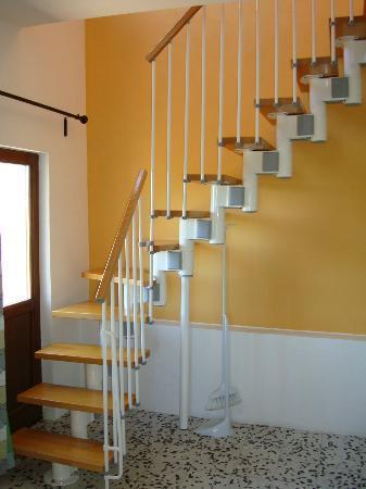Bellaugello: In room staircase between levels