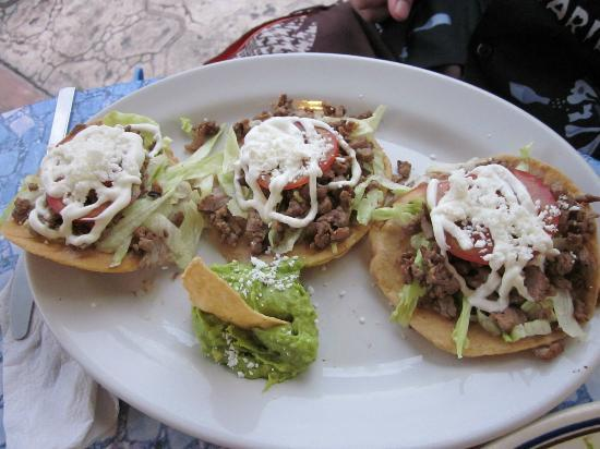 Frida's Restaurant Bar: Tacos - look ok, but totally bland and boring