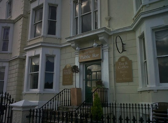 Llandudno, UK: Baytree Hotel public bar