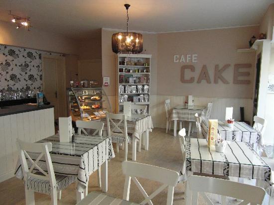 Cafe Cake : Inside Café Cake