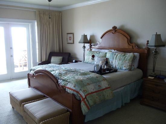 Henderson Park Inn: room