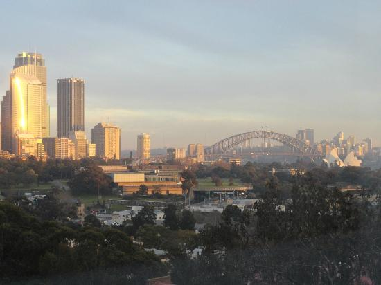 Holiday Inn Potts Point - Sydney: The nive view from our room
