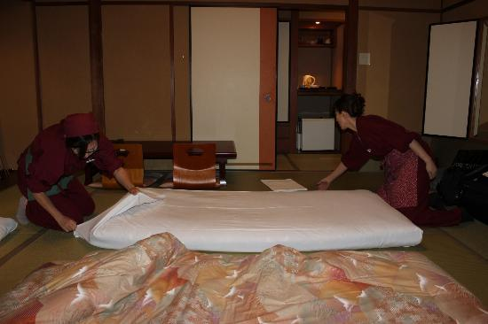 Hokkaikan Ohanabo: Making the beds for us!