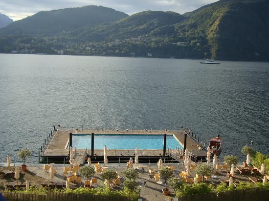 Grand Hotel Tremezzo: Floating pool view