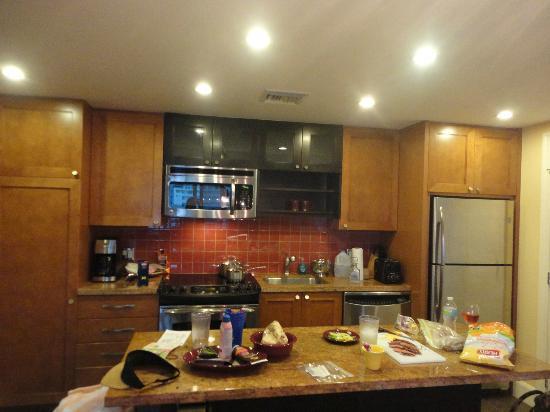 ماريوت أوشينا بالمز: Kitchen area 