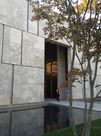 The Barnes Foundation: entry