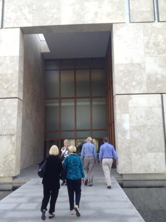 The Barnes Foundation: cove