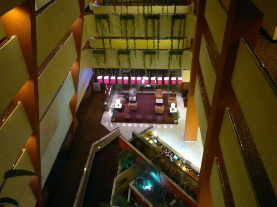 Crowne Plaza Hotel Corobici: Main lobby & front desk from 5th floor