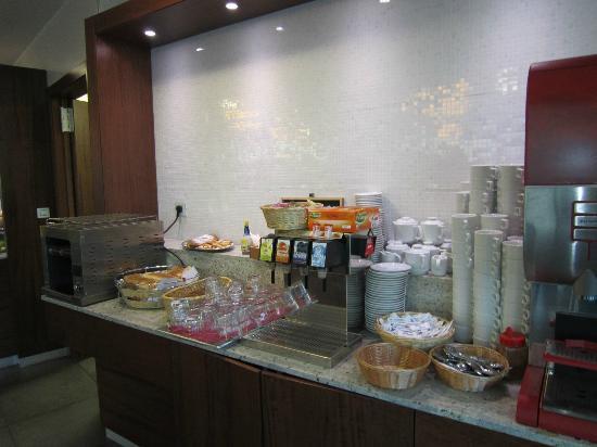 Der kaffeeautomat kakao milch etc bild von hotel for Hotel galileo prague tripadvisor