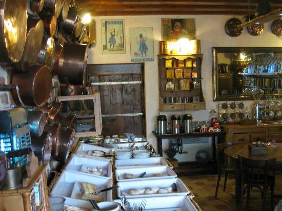 La Ferme des Fourneaux : Petit déjeuner très généreux en fromages !