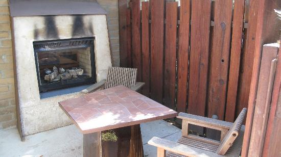 Glen Oaks Big Sur: Patio #9