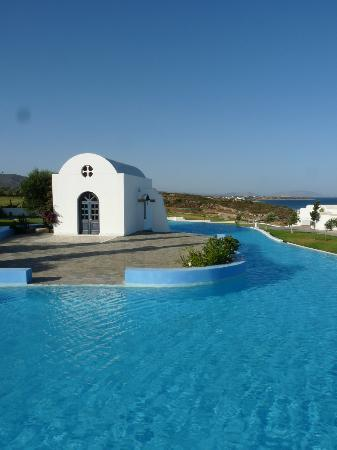 Atrium Prestige Thalasso Spa Resort and Villas: Chapel in middle of smaller of the two pools