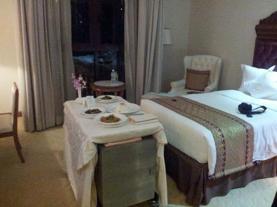 The Royale Chulan Kuala Lumpur: Room Service on a trolley table!