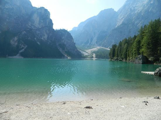 Hotel Gasthof Steinerhof: Lago Di Braies poco distante